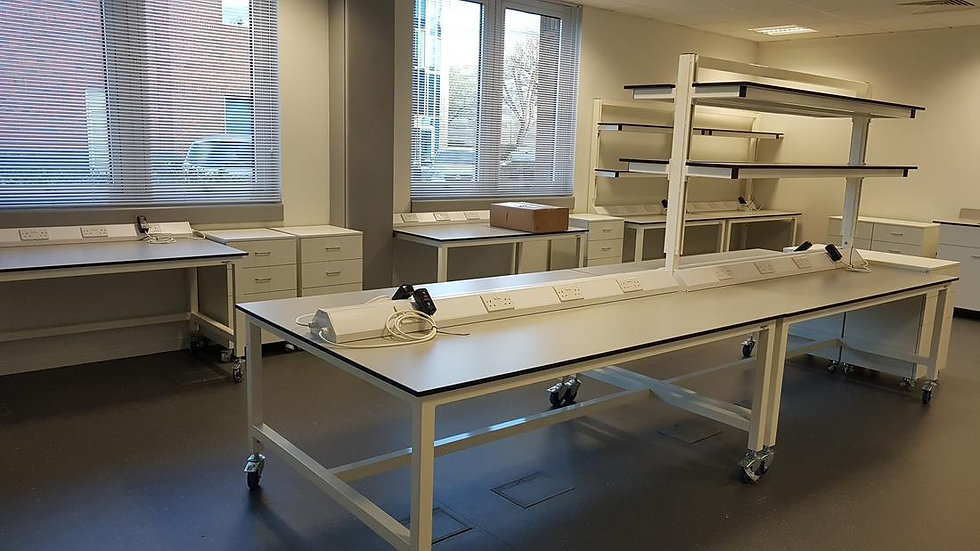 adjustable-height-lab-table-with-shelves