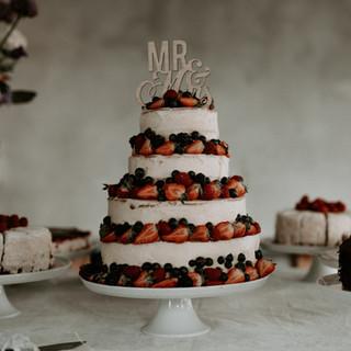 Naked Fruit Weddingcake