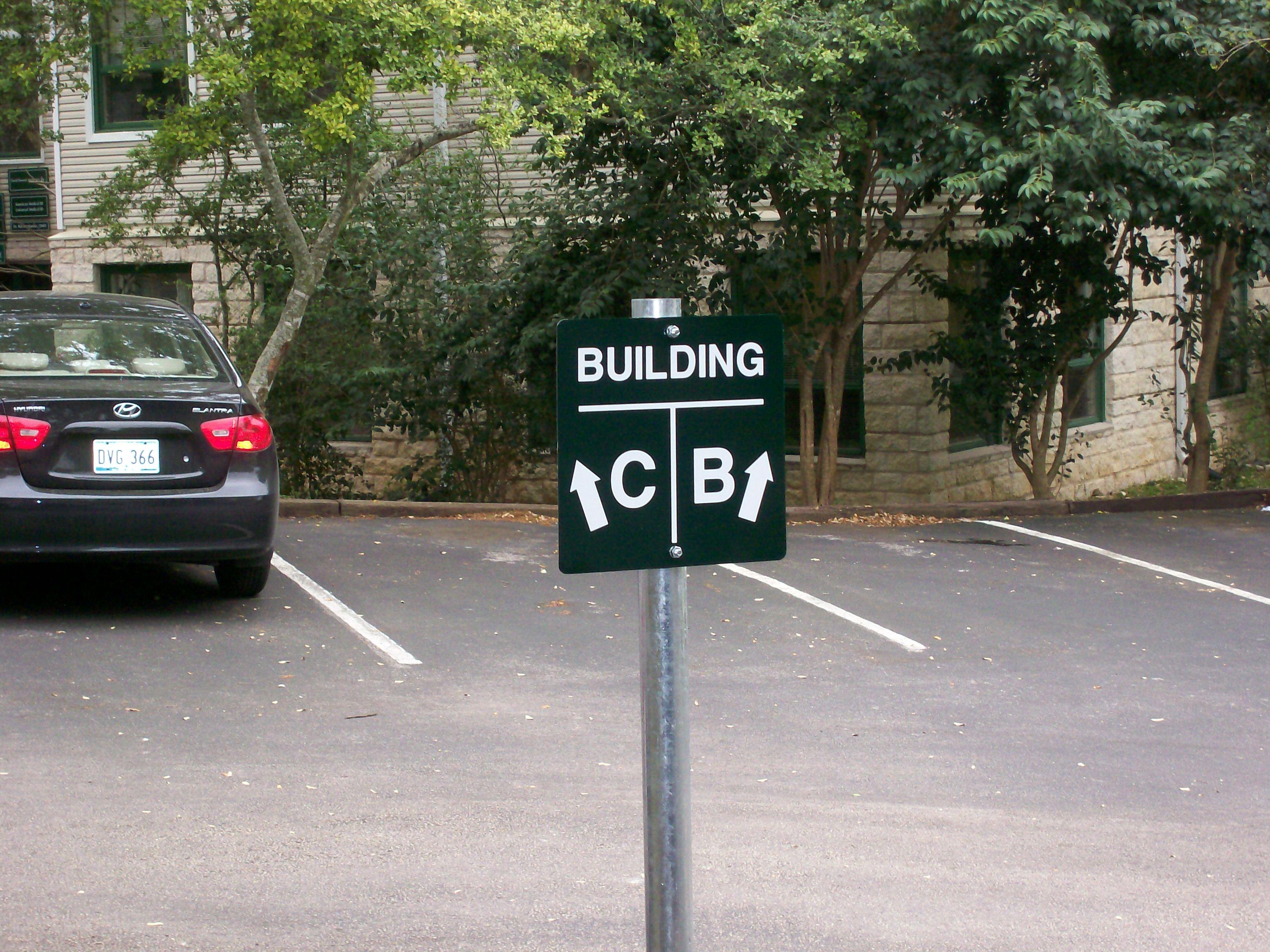 Gesch Parking Directional.JPG
