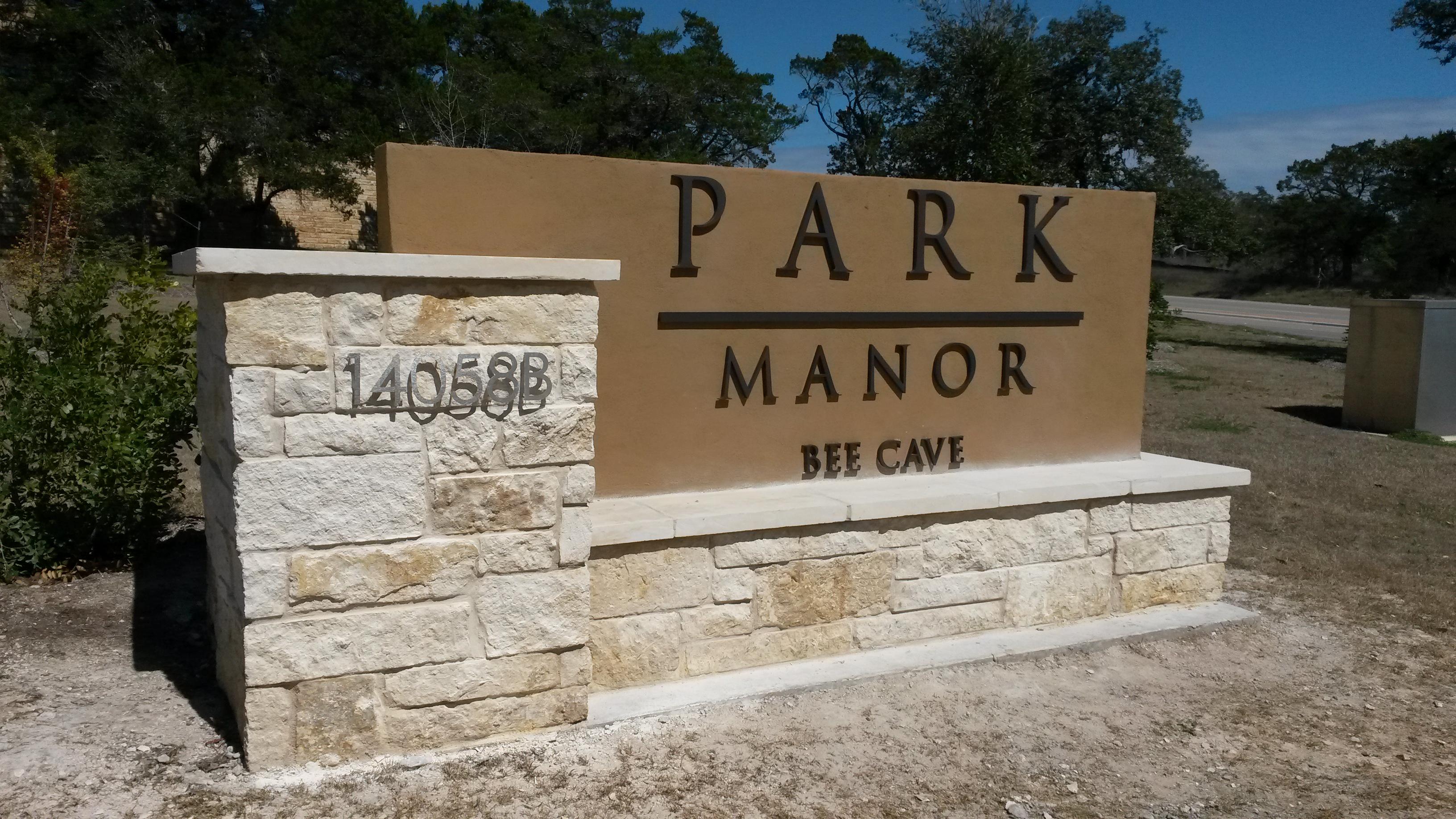 Park Manor Modern Lettering Monument