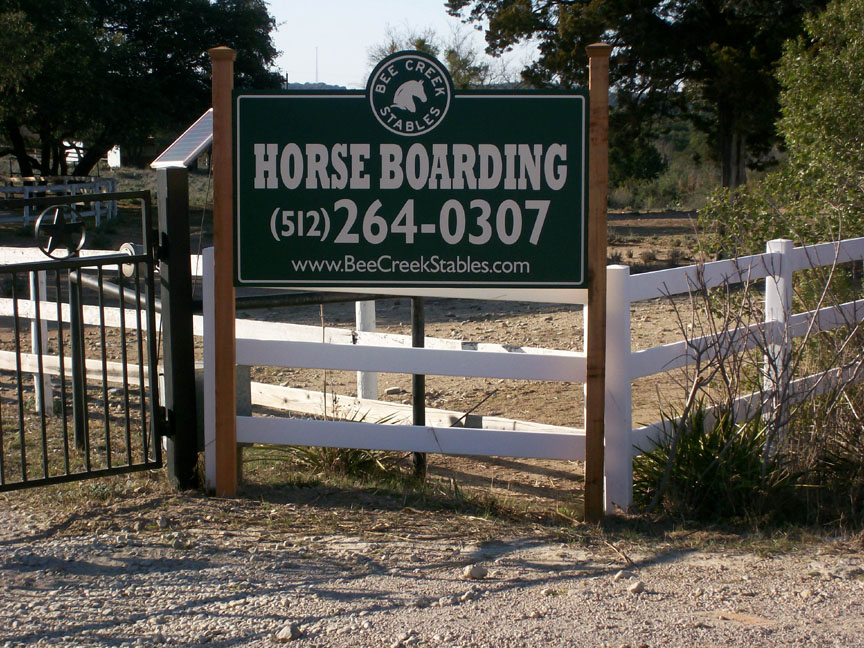 Bee Creek Stables lk17146 - 2.jpg