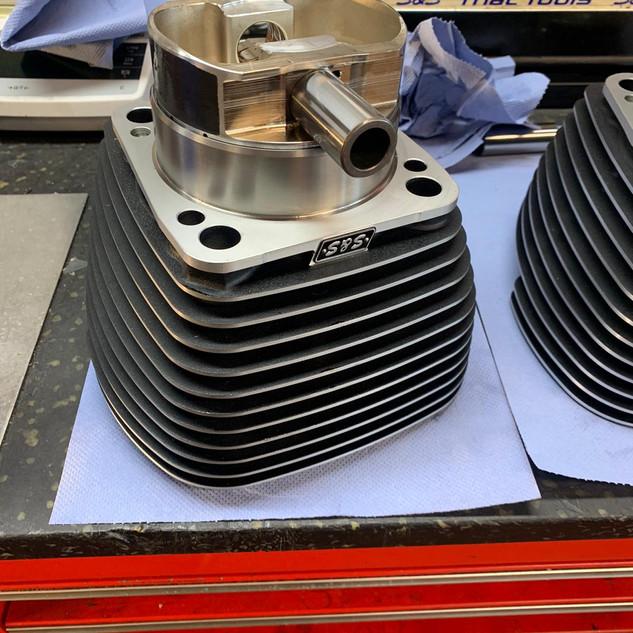 piston in cilinder.jpg
