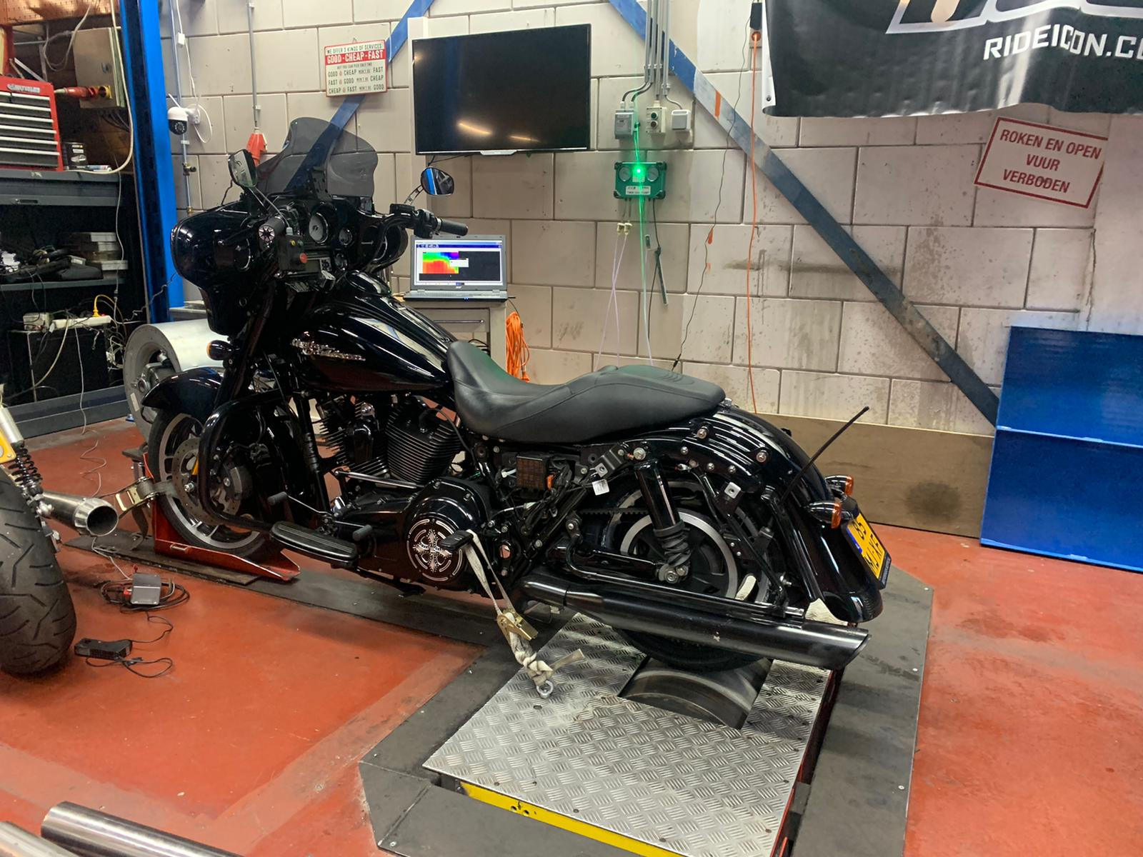 2011 Street Glide Stage 3 551 cams