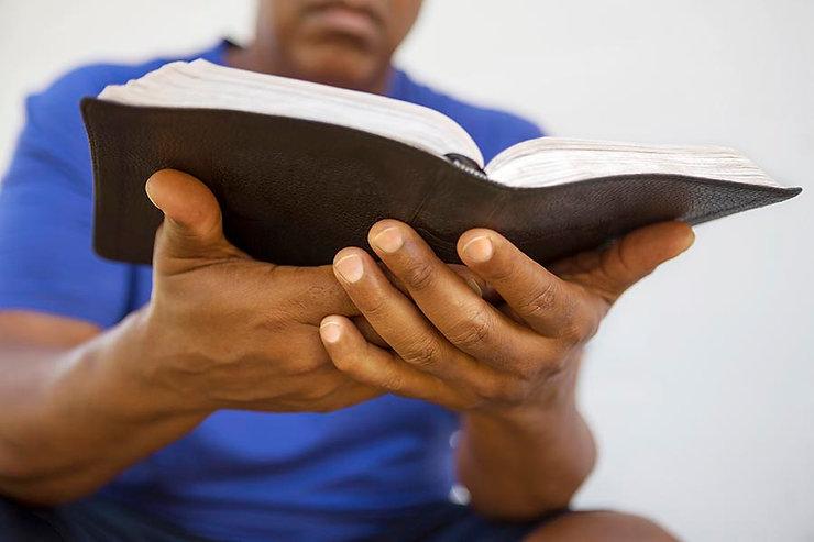 Bible_in_hand.jpg