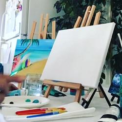 Who wants to learn how to paint_! #napili #maui #lahaina #dthmaui #paintinparadise #wanderlust #wine