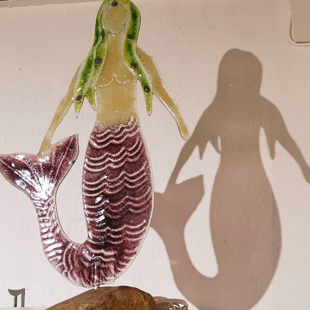 Meerfrau und Schatten, Recycling Glas