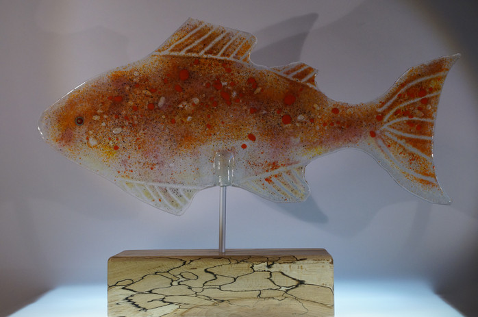 Orangefarbener Fisch, Recycling Glas
