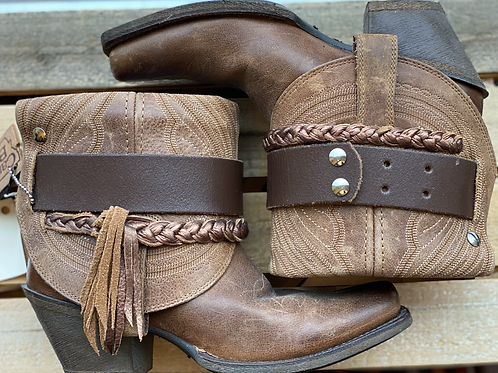 5.5 Ariat Brown Cantys