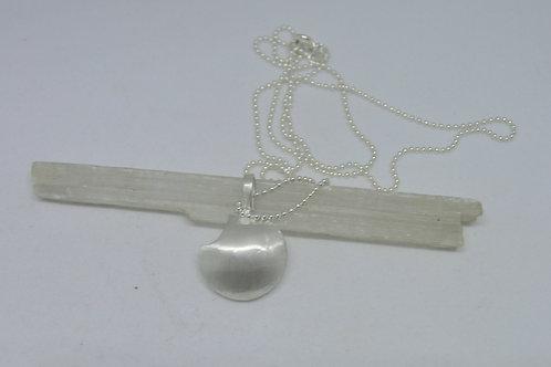 Colar difusor em prata Pastilha