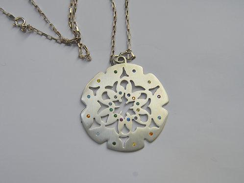 Mandala de Prata e Pedras