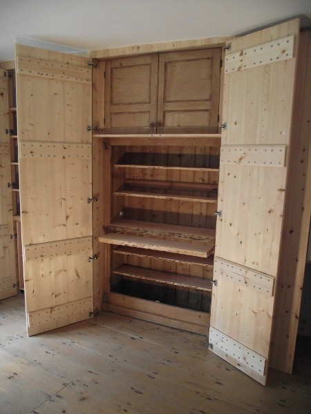 Fitted Wardrobe Pullout Workstation