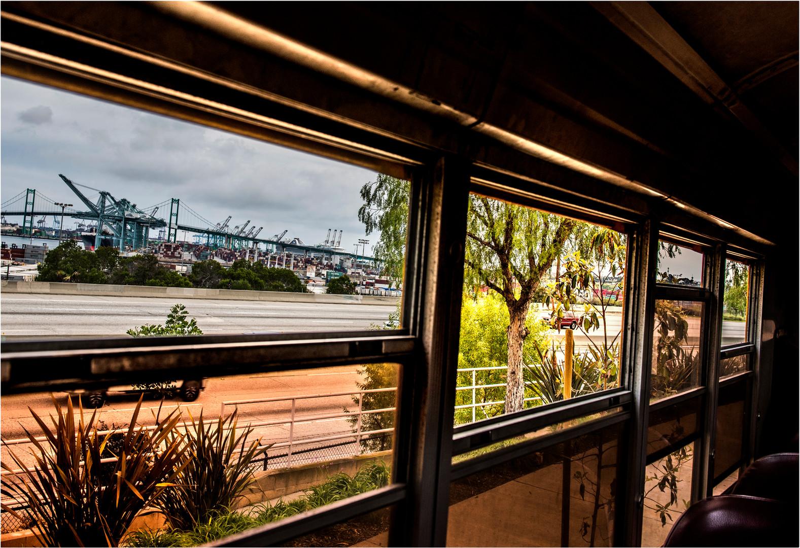 window_bus18x24.jpg