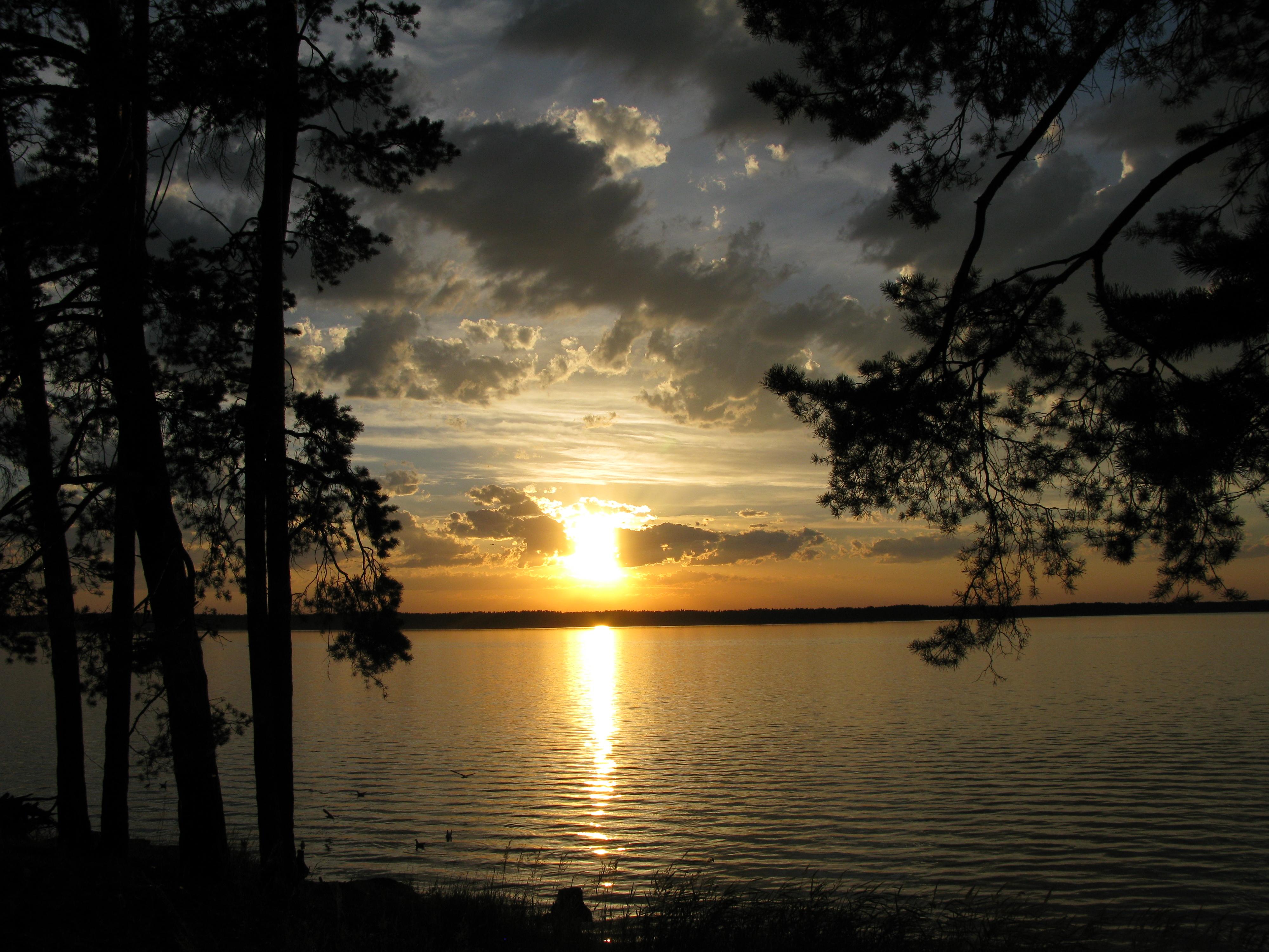LakeSunset