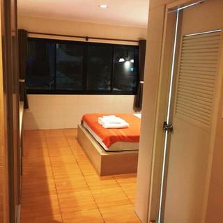 Pattaya City Modern 16 Room HotelRestaurant (21).jpg