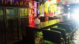 Bar plus 5 rooms (38).jpg