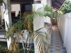 Pratumnak Bargain House (20).JPG
