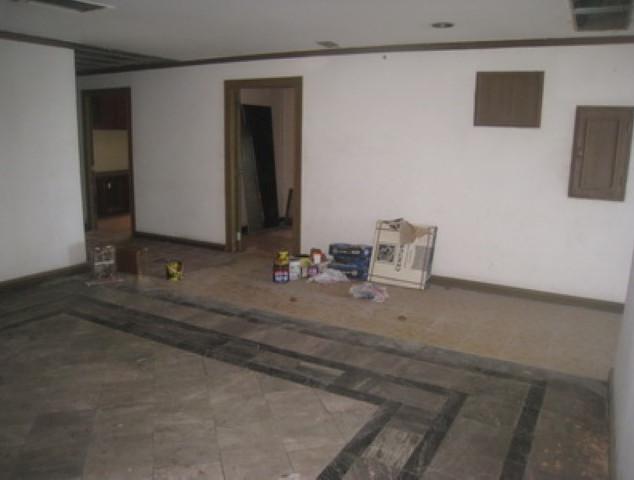6 Floor Center Hotel (3) (Small).JPG