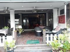 Restaurant near beach (24).jpg