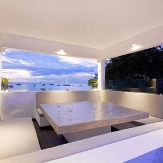 Luxury Beach front Pool villa Na Jomtien (3).jpg