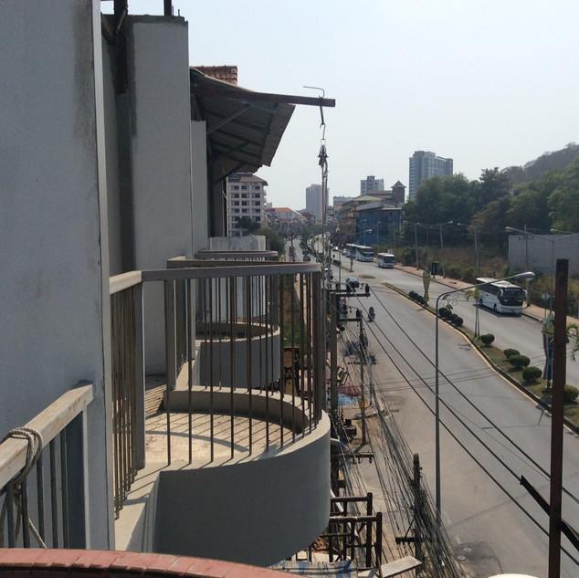 21 Rooms Under Construction (5).jpg