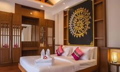 Luxurious Pool Villa (13).jpg