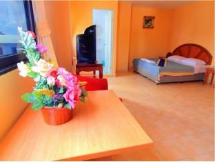 23 Rooms 2 shops rental (9).jpg