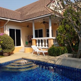 Jomtien 4 Bedrooms Pool Villa Sale (6).j