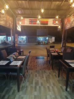 Bar Restaurant Naklua (8).jpg