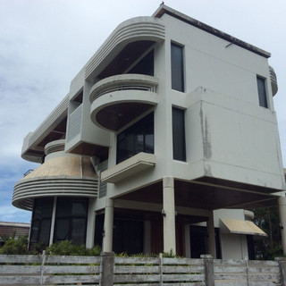 Beach Front House plus plot (2).JPG