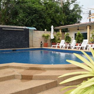 10 Room Pool Villa Na Jomtien (34).jpg