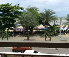 Pattaya Beach Front (30).JPG