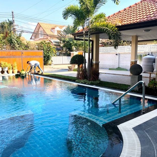 Center Pattaya 5 Bedroom Pool Villa (15)