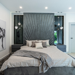 Jomtien 4 Bedroom Luxurious Pool Villa in Village (9).jpg