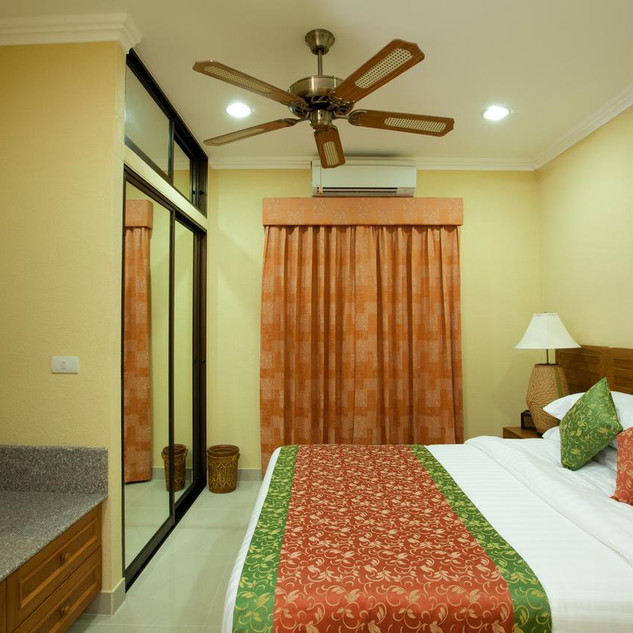 42 Room Resort Style Hotel (13).jpg
