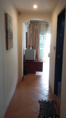 11 Room Guesthouse Bar (19).jpg