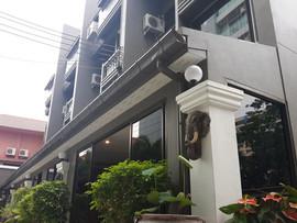 3 Star Hotel (16).jpg