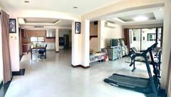12m THB 3 Bedroom Villa North Pattaya (2).jpg
