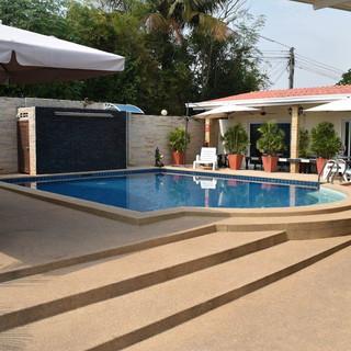 10 Room Pool Villa Na Jomtien (30).jpg