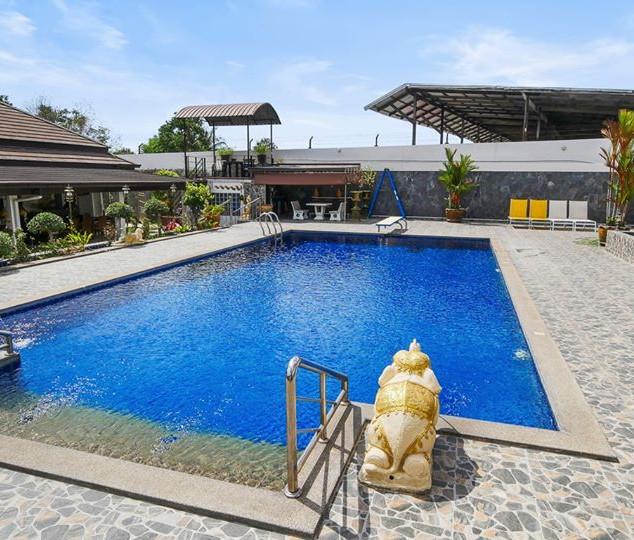 5 Bedroom Pool Villa East Pattaya (25).j