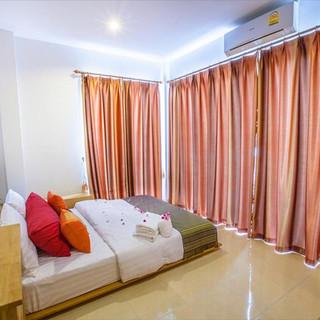5 Bedroom  Guesthouse (3).jpg