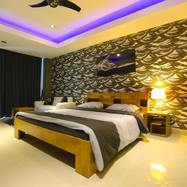 High End Resort Sale (2).jpg