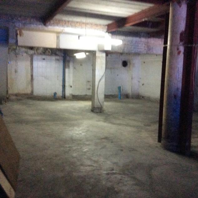 Floor 1 168 sqm plus shell business spac