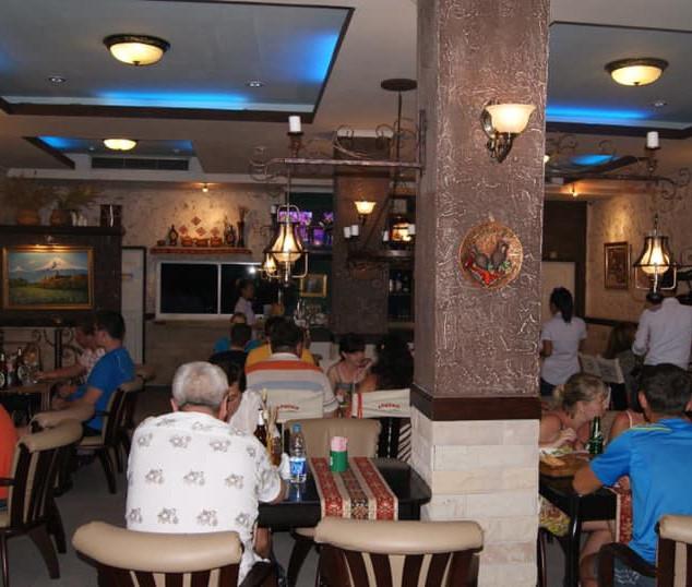 Naklua_Café_Restaurant_Take_Over_(4).jp
