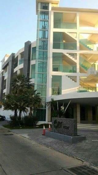High End Resort Sale (5).jpg