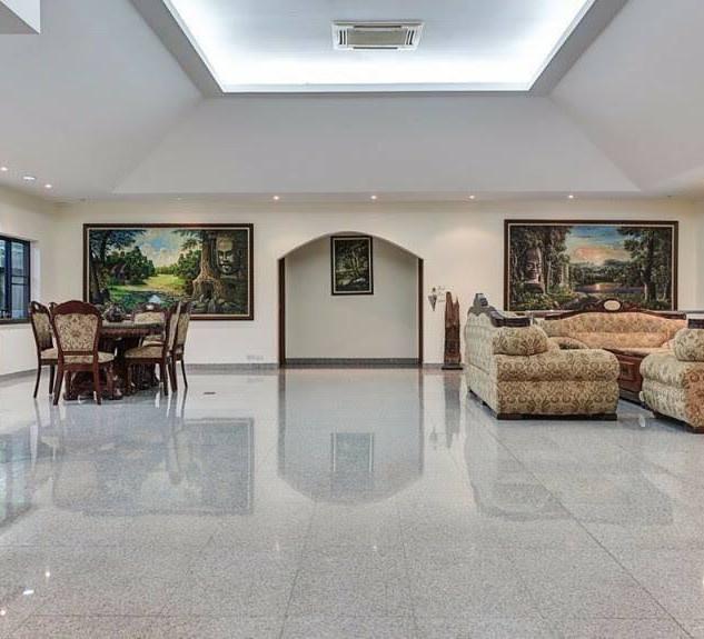 Luxurious Villa on Large Land (3).jpg