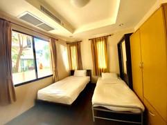 12m THB 3 Bedroom Villa North Pattaya (6).jpg