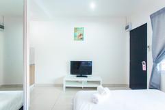28 Room Hotel (59).jpg