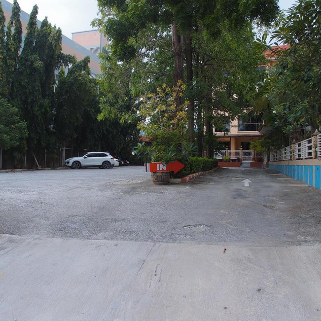 56 Room Pool Hotel East Pattaya (14).jpg