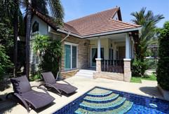 Jomtien 4 Bedrooms Pool Villa Sale (5).j