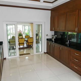 5 Bedroom Pool Villa East Pattaya (12).j